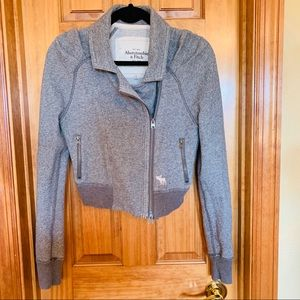 Abercrombie and Fitch zippered gray sweatshirt L